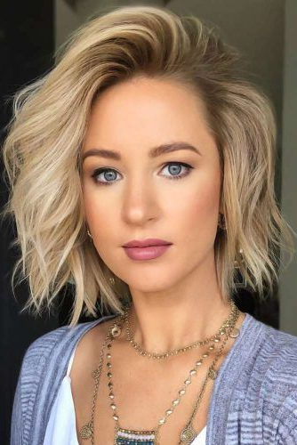 50 Stylish Layered Bob Hairstyles | Lovehairstyles With Classic Bob Hairstyles With Side Part (View 17 of 25)