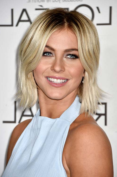 50 Stylish Ways To Wear Center Part Hairstyles   Fashionisers© With Regard To Chin Length Bob Hairstyles With Middle Part (View 16 of 25)
