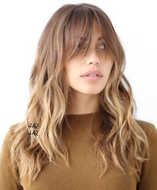 50 Timeless Ways To Wear Layered Hair And Beat Hair Boredom With Regard To Loose Flowy Curls Hairstyles With Long Side Bangs (View 21 of 25)