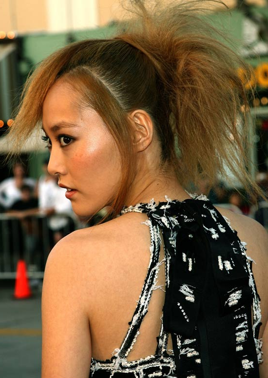 50 Trendy And Easy Asian Girls' Hairstyles To Try With Messy Voluminous Ponytail Hairstyles With Textured Bangs (View 12 of 25)