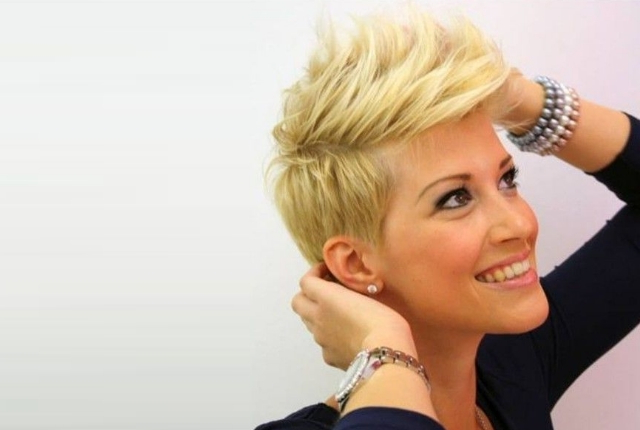 7 Stylish Faux Hawk Hairstyle For Women | Womensok in Classy Faux Mohawk Haircuts For Women