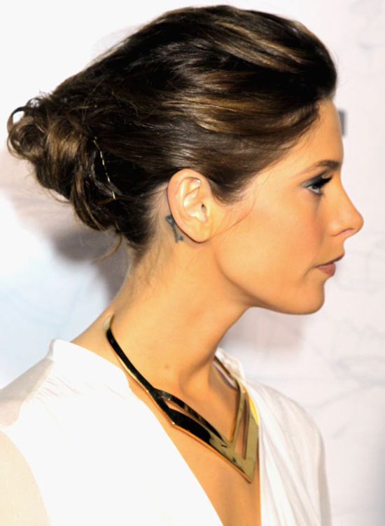 70 Pretty Updos For Short Hair – 2019 Pertaining To Angular Updo Hairstyles With Waves And Texture (View 4 of 25)