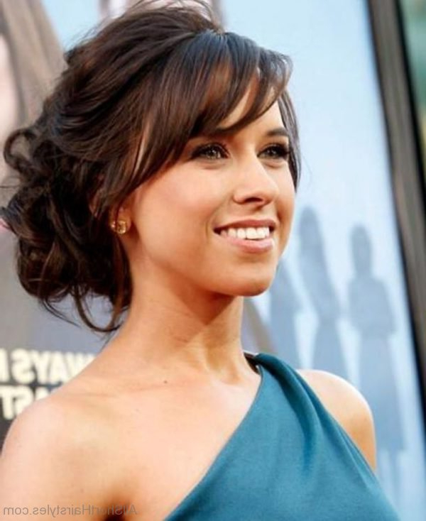 75 Appealing Short Side Swept Haircuts For Girls Inside Loose Flowy Curls Hairstyles With Long Side Bangs (View 23 of 25)