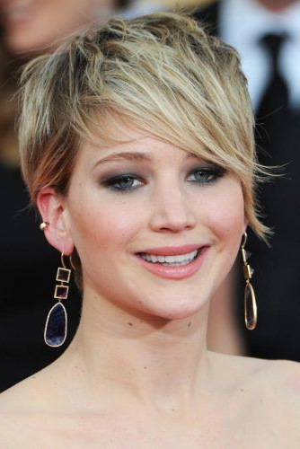 75 Pixie Cut Ideas To Suit All Tastes In 2019 within Trendy Pixie Haircuts With Vibrant Highlights