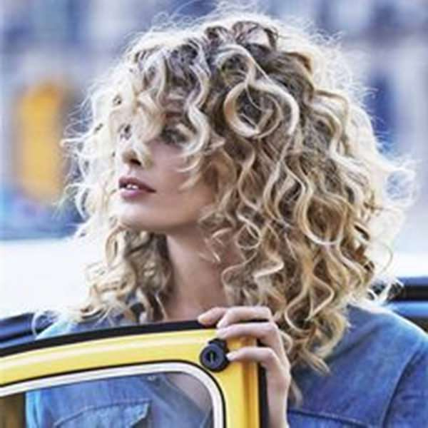 81 Stunning Curly Hairstyles For 2019-Short,medium & Long throughout Curls And Blonde Highlights Hairstyles