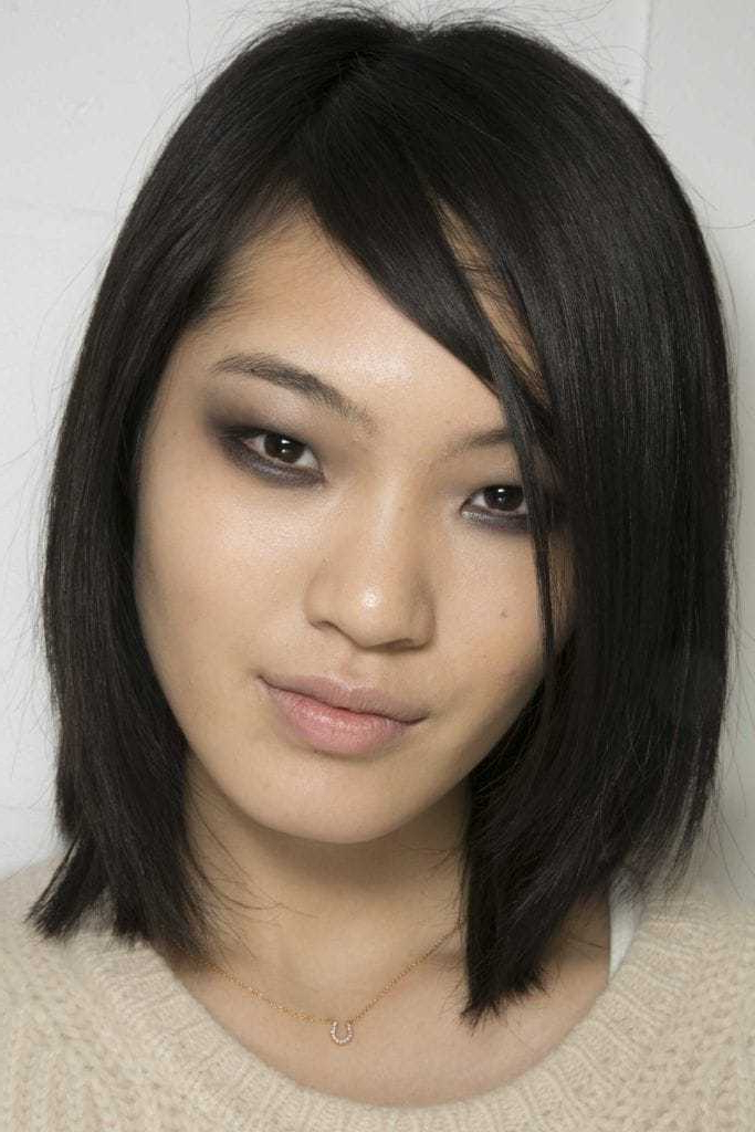 Asian Hairstyles For Women: 35 Trendy And Easy Looks To Try Within Asian Medium Hairstyles With Textured Waves (View 11 of 25)