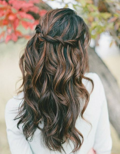 Featured Photo of Easy Side Downdo Hairstyles With Caramel Highlights