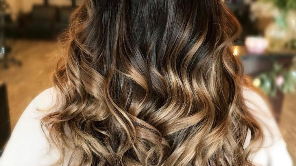 Hair Highlights – Tips, Tricks, Diy Throughout Easy Side Downdo Hairstyles With Caramel Highlights (View 11 of 25)