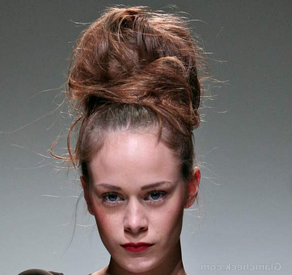 Hairstyle How To: Voluminous Messy Top Bun Hairdo Within Messy High Ponytail Hairstyles With Teased Top (View 12 of 25)