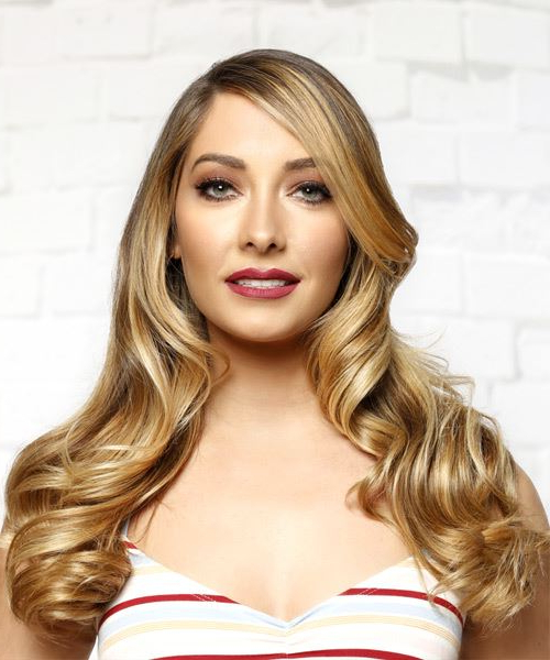 Long Wavy Blonde Hairstyle With Side Swept Bangs Throughout Long Wavy Hairstyles With Side Swept Bangs (View 20 of 25)