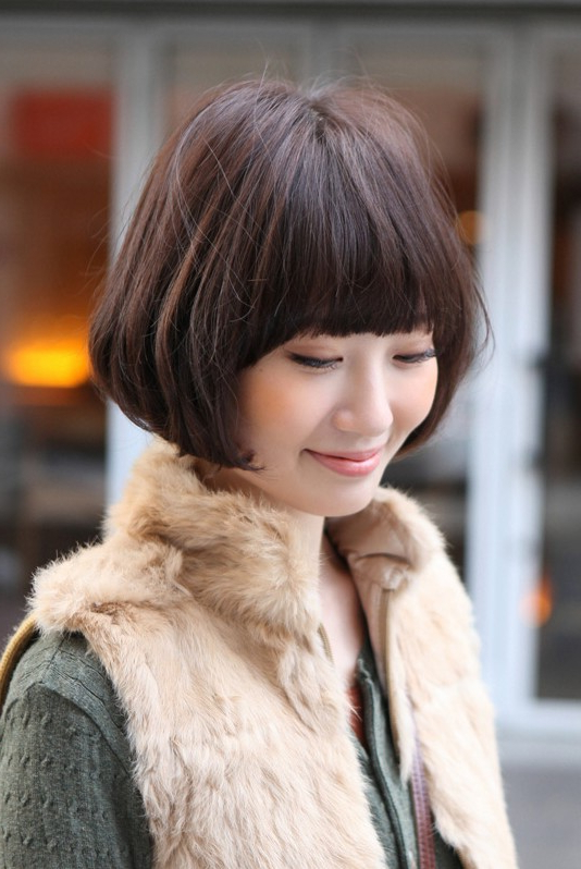 Medium Pageboy Bob – Casual Confidence – Hairstyles Weekly For Blunt Bangs Asian Hairstyles (View 7 of 25)