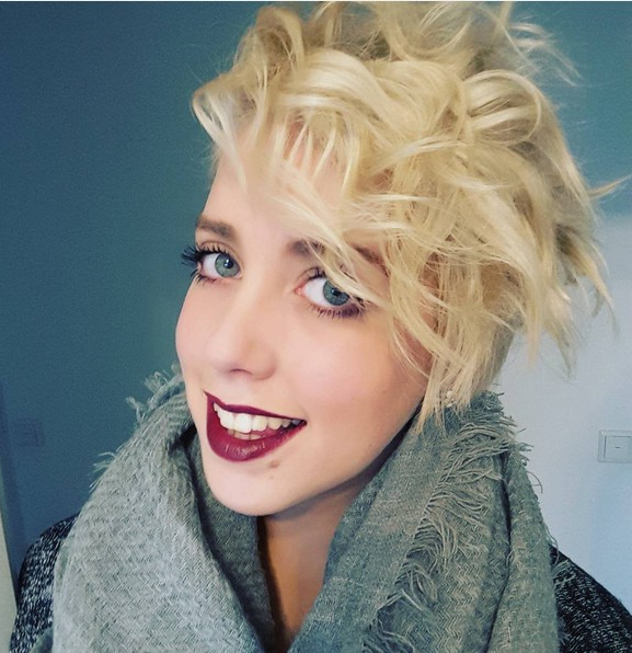Messy Blonde Curly Long Pixie Hairstyle With Side Bangs Within Blonde Pixie Haircuts With Curly Bangs (View 13 of 25)