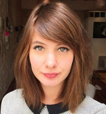 Pin On Hair Stylin Throughout Middle Parted Relaxed Bob Hairstyles With Side Sweeps (View 14 of 25)