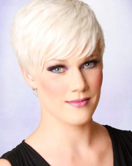 Platinum Blonde Pixie With Side Bangs Platinum Blonde Pixie With Blonde Pixie Haircuts With Curly Bangs (View 25 of 25)