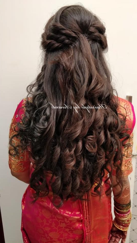 Featured Photo of Cascading Silky Waves Hairstyles