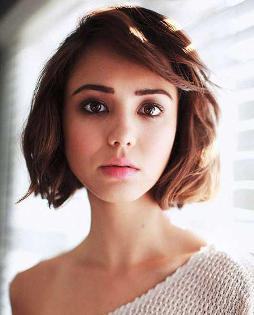 Pretty Short Bob Hairstyles With Side Swept Bangs | Bob for Messy Short Bob Hairstyles With Side-Swept Fringes
