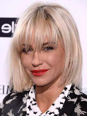 Sarah Harding Showed Off A Choppy Blonde Bob Hairstyle And Within Blonde Blunt Haircuts Bob With Bangs (View 4 of 25)