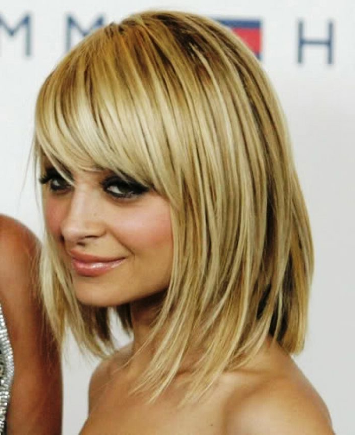 Shoulder Length Bob Haircuts With Side Bangs And Layers With Blonde Bob Haircuts With Side Bangs (View 21 of 25)