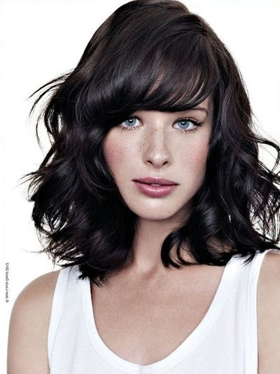 Side Swept Wavy Hair – With Bangs – Looks Like A Shaggy, Sho Pertaining To Long Wavy Hairstyles With Side Swept Bangs (View 22 of 25)