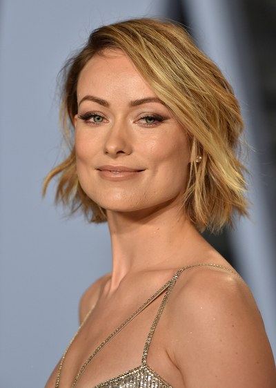 Spring Hairstyles 2018: Spring Haircut And Color Ideas For Inside Blunt Wavy Bob Hairstyles With Center Part (View 23 of 25)