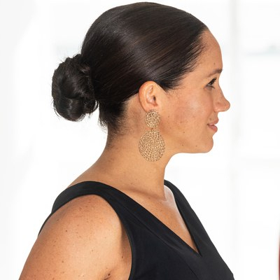 The Evolution Of Meghan Markle's Hair Over The Years   Allure Pertaining To Loose Low Ponytail Hairstyles With Casual Side Bang (View 12 of 25)