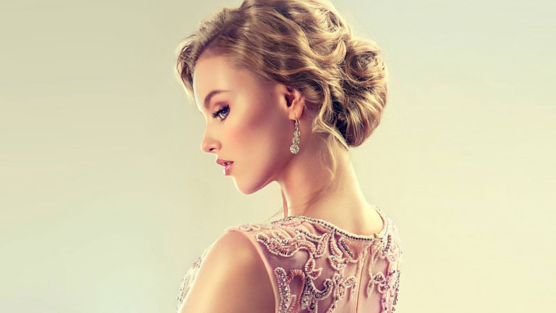 The Most Stunning Prom Hairstyles For All Hair Lengths Throughout Retro Side Hairdos With Texture (View 9 of 25)