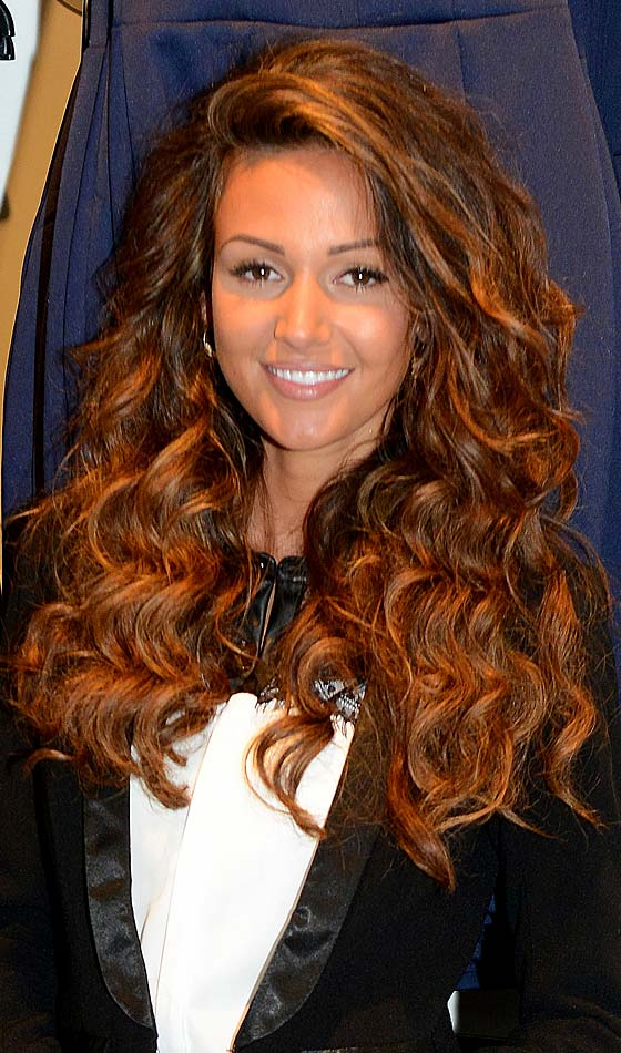 Top 10 Long Hairstyles For Brown Hair For Long Wavy Hairstyles With Side Swept Bangs (View 21 of 25)