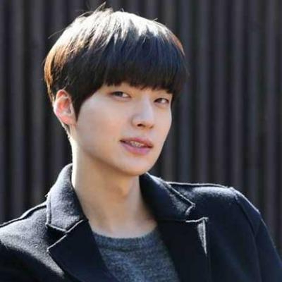 Top 3 Timeless Asian Men's Hairstyles Intended For Blunt Bangs Asian Hairstyles (View 23 of 25)