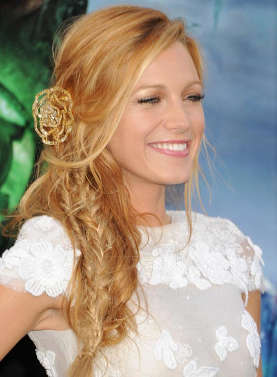 Top 50 Beautiful Wavy Long Hairstyles To Inspire You For Loose Waves Hairstyles With Twisted Side (View 13 of 25)