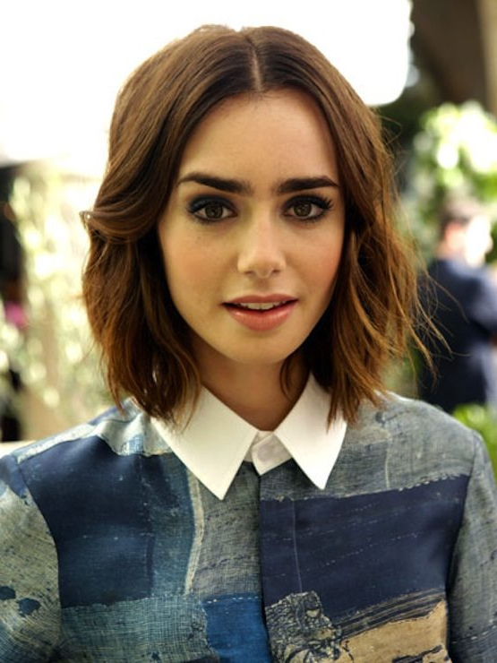What About 31 Bobs? – The Chic Site Within Blunt Wavy Bob Hairstyles With Center Part (View 14 of 25)