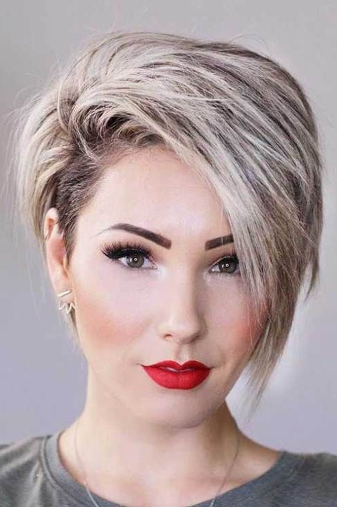 17 More Fresh Layered Short Hairstyles For Round Faces Throughout Layered Short Hairstyles For Round Faces (View 3 of 25)