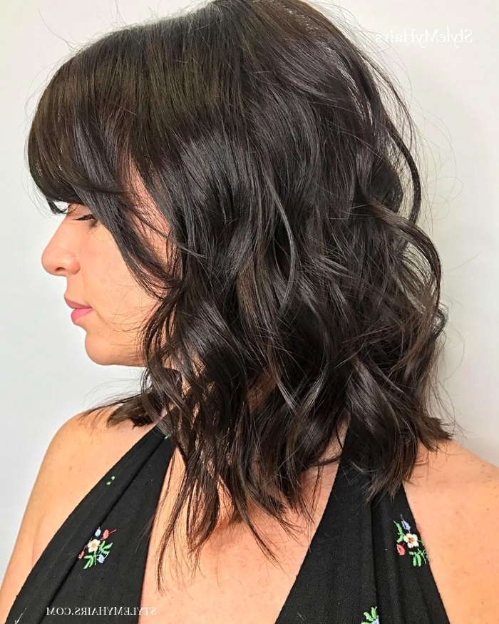 27 Angled Bob Hairstyles Trending Right Right Now For 2019 Inside Feathered Haircuts With Angled Bangs (View 7 of 25)