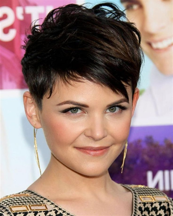 40 Classic Short Hairstyles For Round Faces with Classic Asymmetrical Hairstyles For Round Face Types