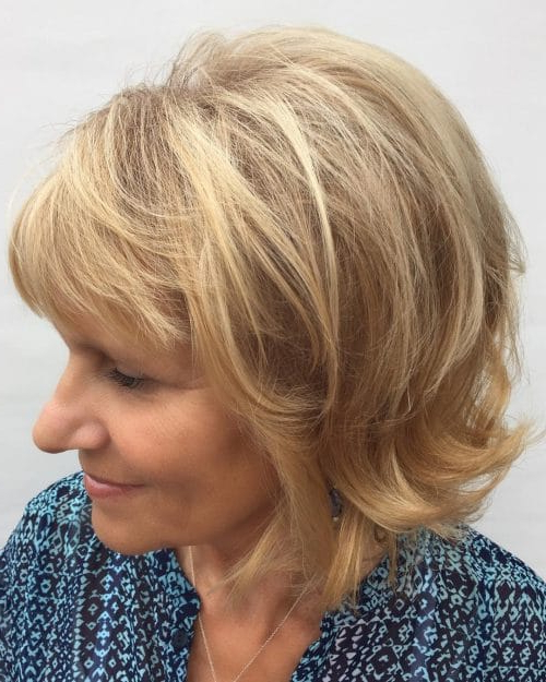 43 Youthful Short Hairstyles For Women Over 50 (With Fine in Short Flip Haircuts For A Round Face