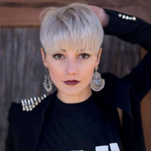 50 Minimalist Short Haircuts That Fit Your Straight Hair For Minimalist Pixie Bob Haircuts (View 18 of 25)