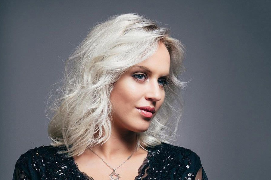 70 Medium Length Hairstyles Ideal For Thick Hair with regard to Layered Haircuts With Delicate Feathers