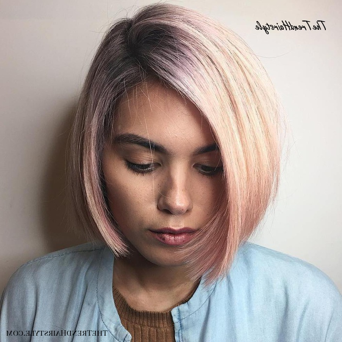 Chic Gray Blunt Haircut - 50 Spectacular Blunt Bob for Simple Side-Parted Jaw-Length Bob Hairstyles