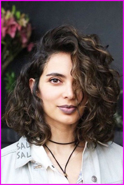Curly Bob Haircuts - Best Short Haircuts For Curly Hair with Curly Hairstyles For Round Faces