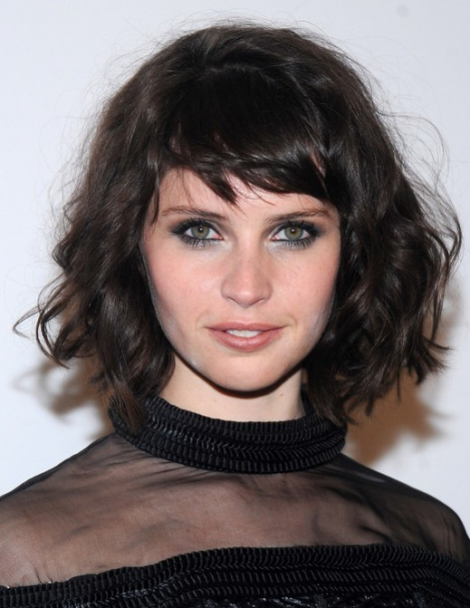 Felicity Jones Brown Short Hair Style - Messy Short Curly with regard to Curly Messy Bob Hairstyles With Side Bangs