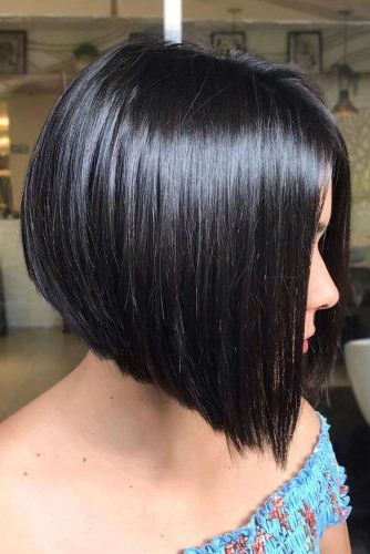 Flattering Short Haircuts For Round Faces | Lovehaistyles intended for A-Line Haircuts For A Round Face