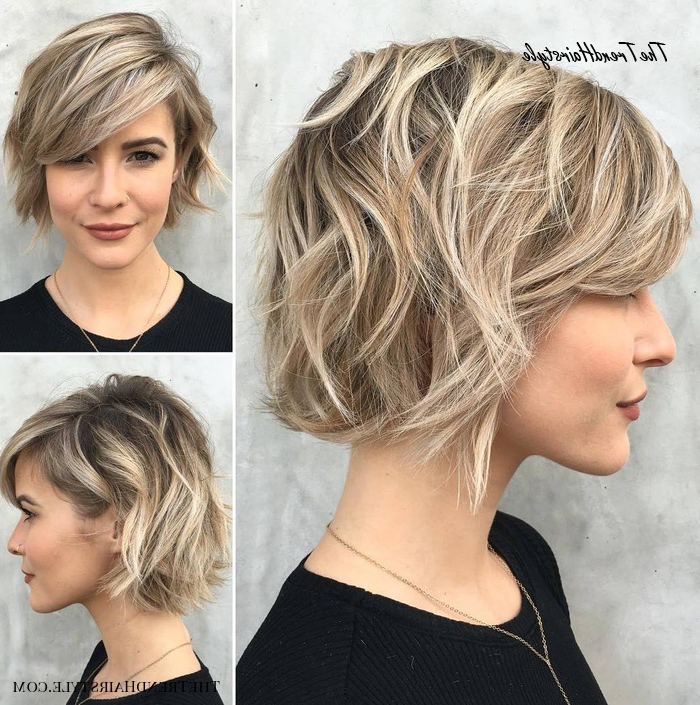 Jaw-Length Shaggy Haircut With Side Bangs - 70 Fabulous in Jaw-Length Choppy Bob Hairstyles With Bangs