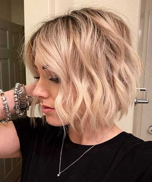 Super Gorgeous Short Bob Haircuts And Hairstyles To Look With Minimalist Pixie Bob Haircuts (View 15 of 25)