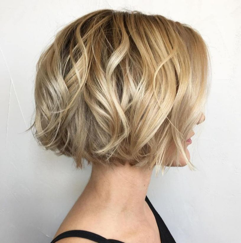 100 Mind Blowing Short Hairstyles For Fine Hair | Wavy Bob With Regard To Jaw Length Short Bob Hairstyles For Fine Hair (View 3 of 25)