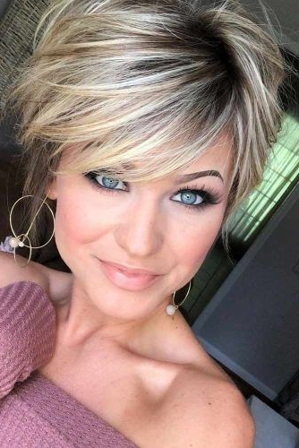 170 Pixie Cut Ideas To Suit All Tastes In 2020 In Current Dark Pixie Haircuts With Blonde Highlights (View 19 of 25)
