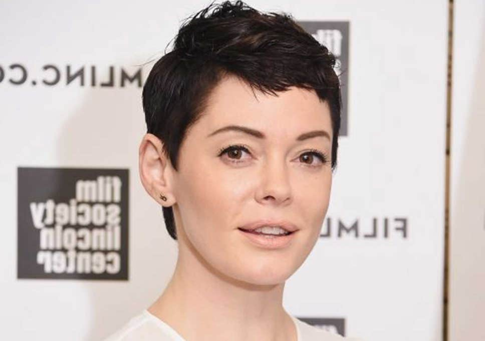 23 Amazing Pixie Haircuts Celebs Wore If You Are Looking For In Most Current Short Side Swept Pixie Haircuts With Caramel Highlights (View 7 of 25)