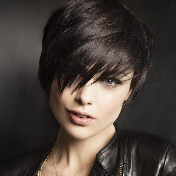 25 Beautiful Short Haircuts For Round Faces 2017 With Regard To Newest Pixie Haircuts For Round Face (View 8 of 25)