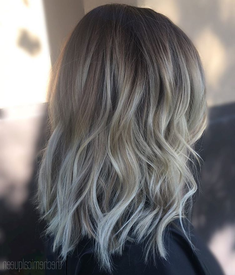 30 Chic Everyday Hairstyles For Shoulder Length Hair 2020 Pertaining To Mid Length Beach Waves Hairstyles (View 23 of 25)