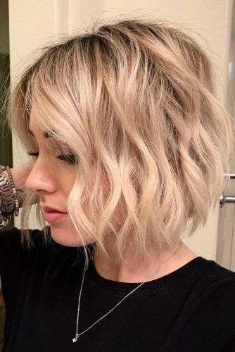 30 Easy And Cute Styling Ideas To Get Beach Waves For Short Hair Throughout Beach Wave Bob Hairstyles With Highlights (View 22 of 25)