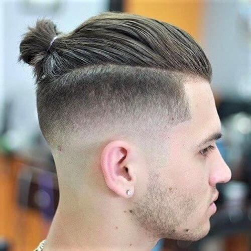 30 Top Knot Styles For Men + Top Knot V Man Bun? – Men With Best And Newest Modern Braided Top Knot Hairstyles (View 9 of 25)