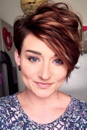 33 Types Of Asymmetrical Pixie To Consider   Lovehairstyles Regarding Newest Short Side Swept Pixie Haircuts With Caramel Highlights (View 11 of 25)